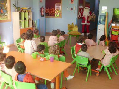 Papá Noel visita la escuela