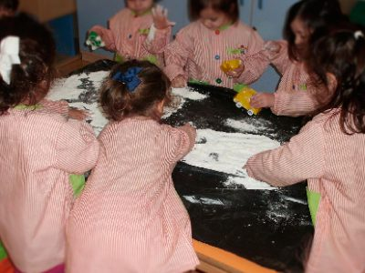 Caminitos de harina para practicar la coordinación