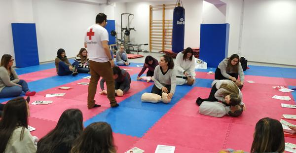 Una de las sesiones de formación interna sobre primeros auxilios de las celebradas el pasado sábado